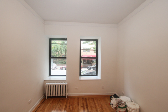 1 Bedroom, Yorkville Rental in NYC for $2,124 - Photo 2