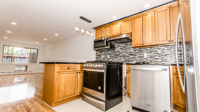 2 Bedrooms, New Lots Rental in NYC for $2,200 - Photo 2