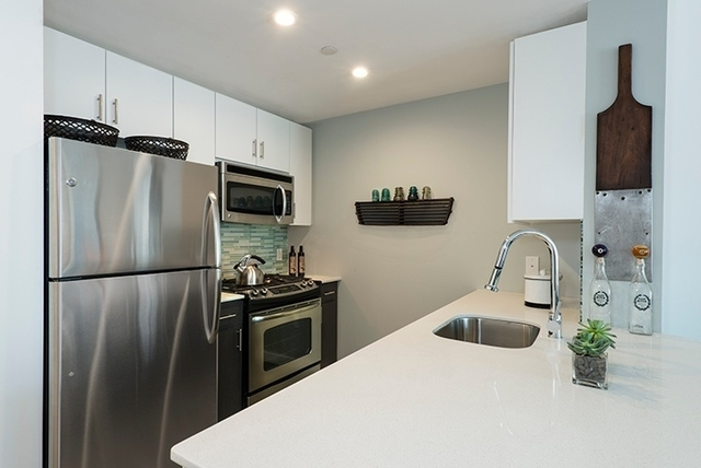 2 Bedrooms, Williamsburg Rental in NYC for $5,148 - Photo 1