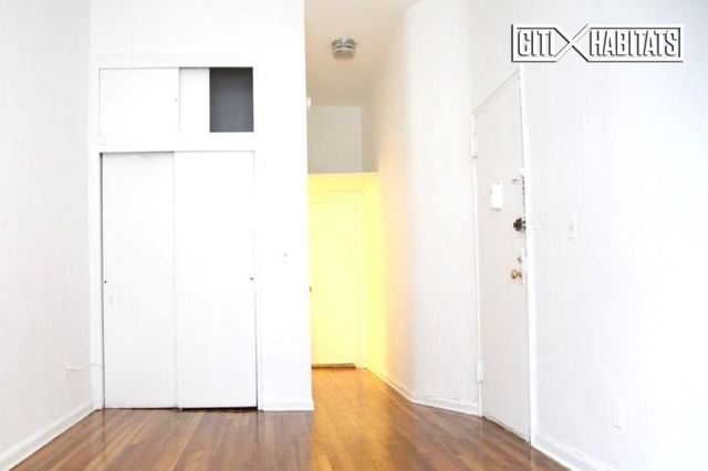 Studio, Yorkville Rental in NYC for $1,859 - Photo 1