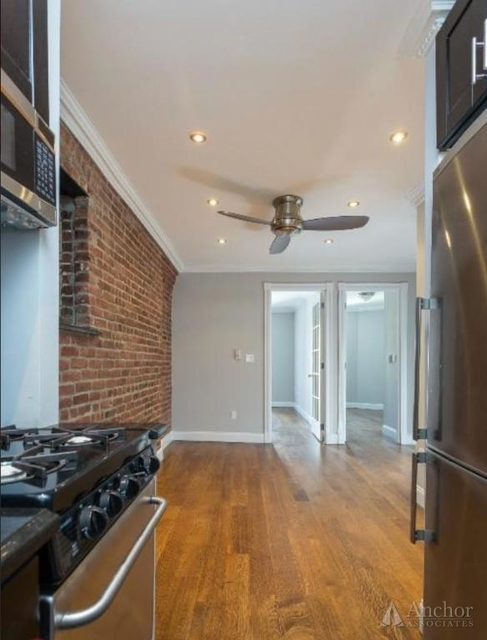 3 Bedrooms, Hell's Kitchen Rental in NYC for $5,095 - Photo 2