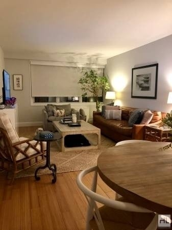 2 Bedrooms, Lincoln Square Rental in NYC for $5,325 - Photo 2