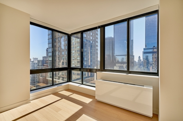 2 Bedrooms, Hell's Kitchen Rental in NYC for $7,800 - Photo 1