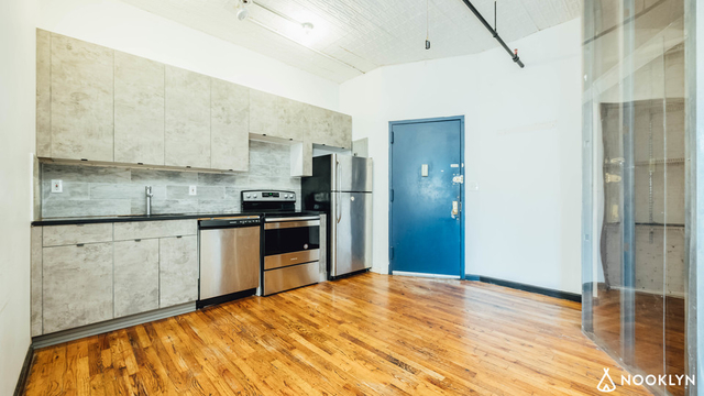 4 Bedrooms, Williamsburg Rental in NYC for $4,650 - Photo 2
