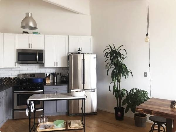 1 Bedroom, Williamsburg Rental in NYC for $3,950 - Photo 2