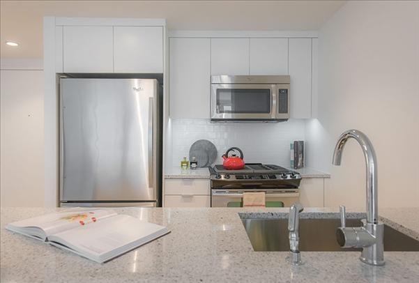 Studio, Lincoln Square Rental in NYC for $3,896 - Photo 2