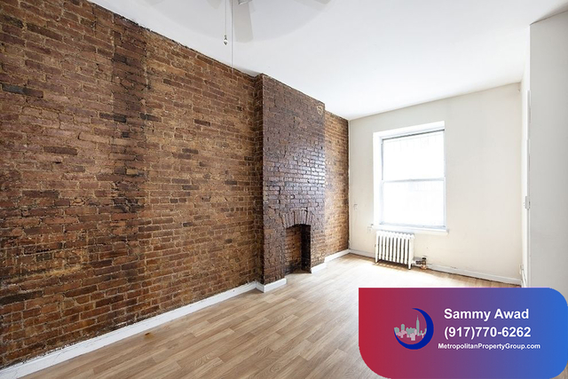 3 Bedrooms, Hell's Kitchen Rental in NYC for $4,195 - Photo 1