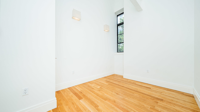 1 Bedroom, Williamsburg Rental in NYC for $6,000 - Photo 2