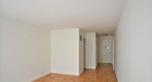 Studio, Turtle Bay Rental in NYC for $2,800 - Photo 2