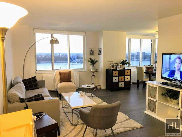 2 Bedrooms, Hell's Kitchen Rental in NYC for $6,090 - Photo 1
