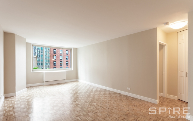 2 Bedrooms, Lincoln Square Rental in NYC for $6,500 - Photo 2