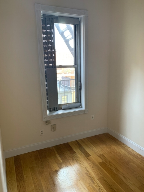 1 Bedroom, Hell's Kitchen Rental in NYC for $2,425 - Photo 2
