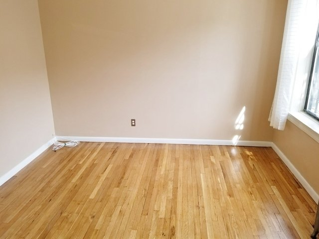 2 Bedrooms, Astoria Rental in NYC for $2,200 - Photo 2