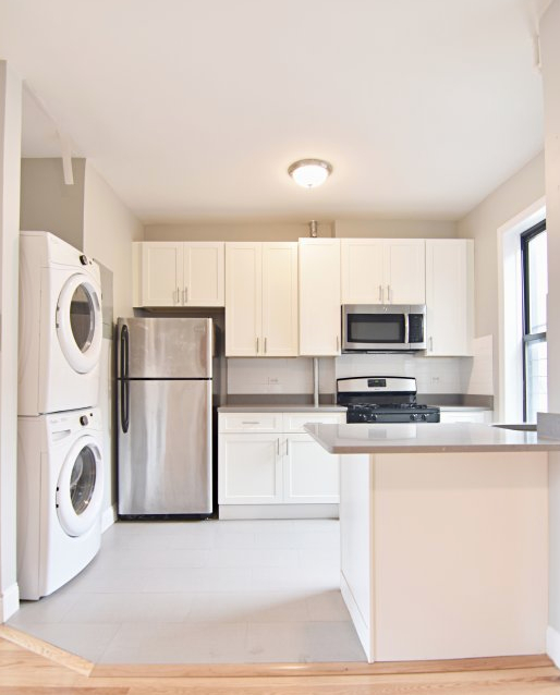3 Bedrooms, Inwood Rental in NYC for $2,950 - Photo 1