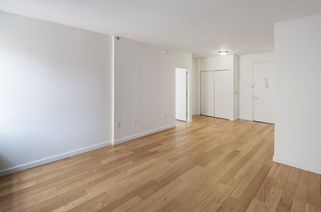 1 Bedroom, Financial District Rental in NYC for $3,762 - Photo 2