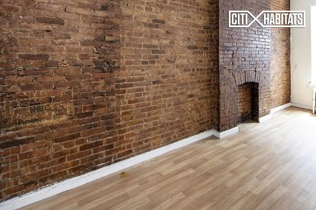 3 Bedrooms, Hell's Kitchen Rental in NYC for $4,195 - Photo 2