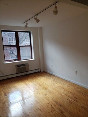 3 Bedrooms, Alphabet City Rental in NYC for $4,735 - Photo 2