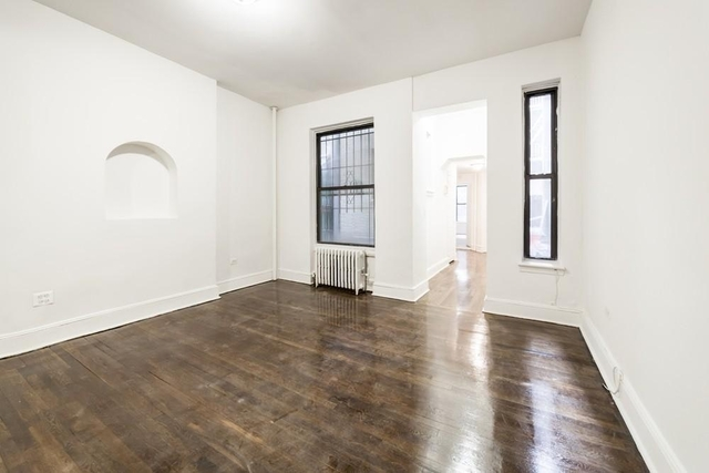 1 Bedroom, Turtle Bay Rental in NYC for $3,195 - Photo 2