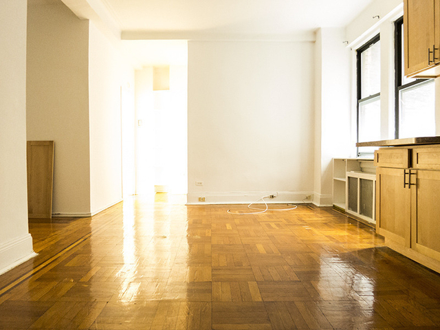1 Bedroom, Upper West Side Rental in NYC for $3,190 - Photo 2