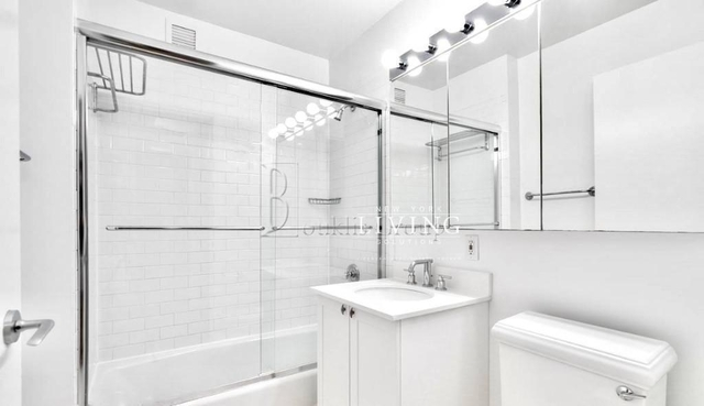 1 Bedroom, Financial District Rental in NYC for $3,849 - Photo 2
