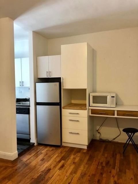 Studio, Sutton Place Rental in NYC for $2,050 - Photo 2