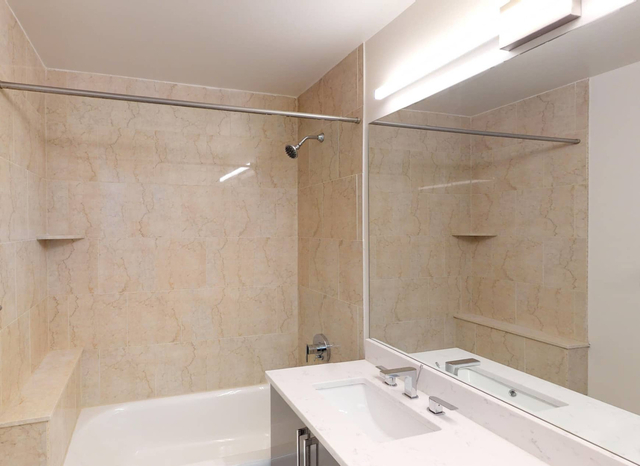 1 Bedroom, Financial District Rental in NYC for $5,564 - Photo 2