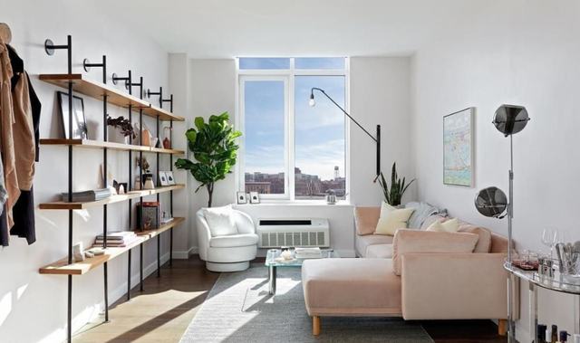 1 Bedroom, Greenpoint Rental in NYC for $3,343 - Photo 1