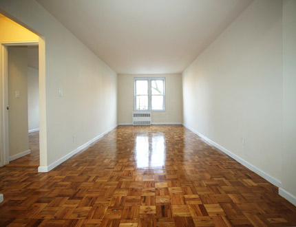 2 Bedrooms, Astoria Rental in NYC for $2,595 - Photo 2