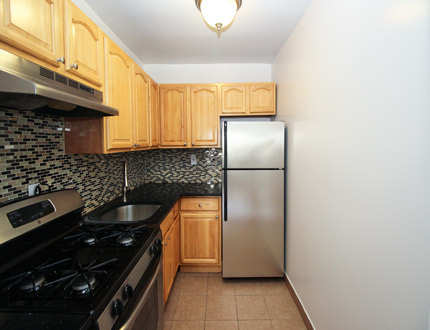 2 Bedrooms, Astoria Rental in NYC for $2,595 - Photo 1