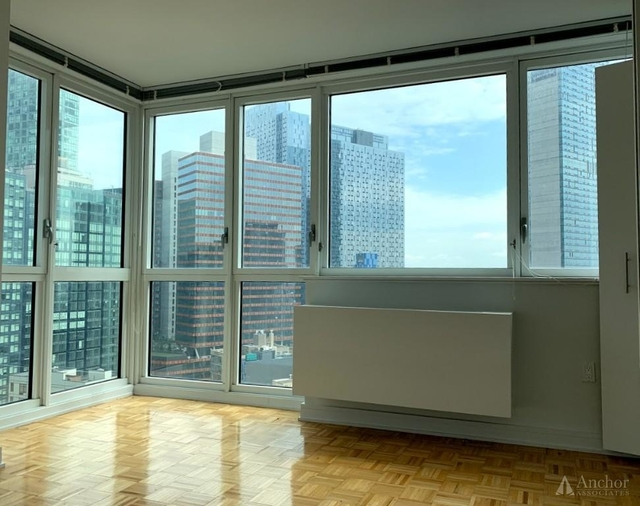 1 Bedroom, Long Island City Rental in NYC for $4,257 - Photo 2