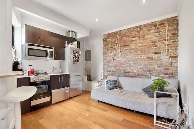 2 Bedrooms, Alphabet City Rental in NYC for $3,100 - Photo 1