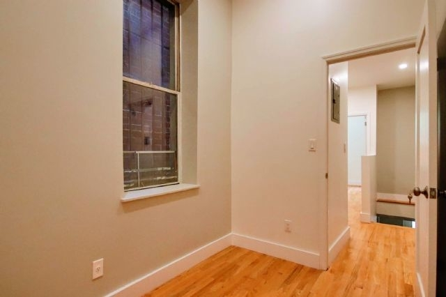 2 Bedrooms, Alphabet City Rental in NYC for $4,275 - Photo 2