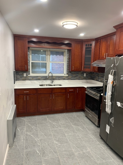 3 Bedrooms, Astoria Rental in NYC for $3,150 - Photo 1