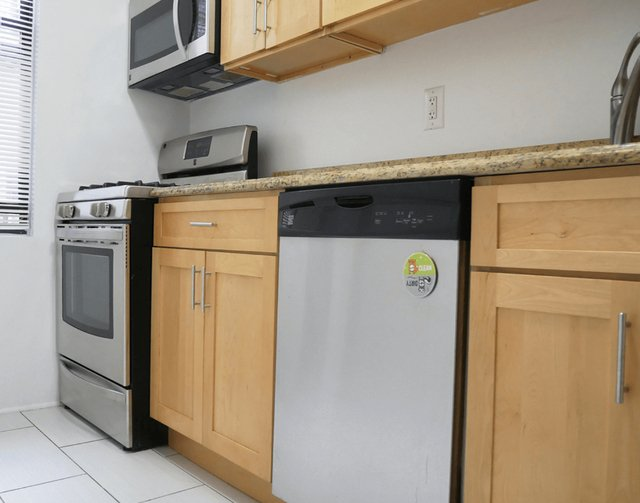 2 Bedrooms, Washington Heights Rental in NYC for $2,503 - Photo 1