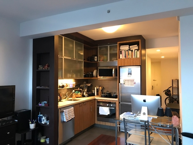 Studio, Hell's Kitchen Rental in NYC for $2,810 - Photo 1