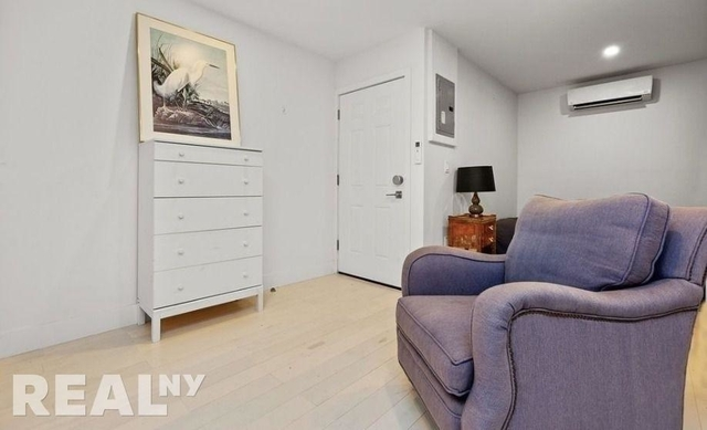 Studio, East Village Rental in NYC for $2,820 - Photo 2
