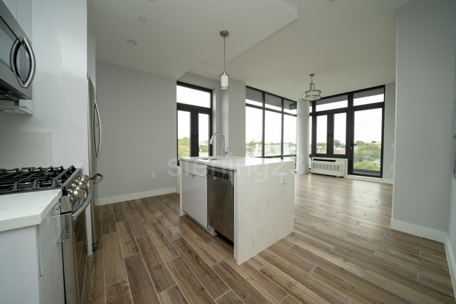 1 Bedroom, Astoria Rental in NYC for $3,100 - Photo 1