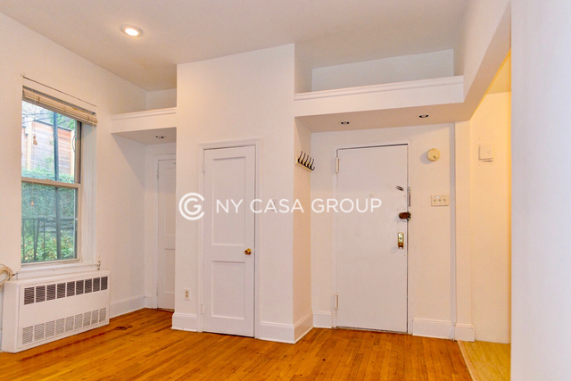 Studio, Civic Center Rental in NYC for $2,000 - Photo 1