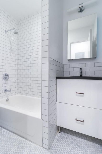 3 Bedrooms, Alphabet City Rental in NYC for $4,125 - Photo 2