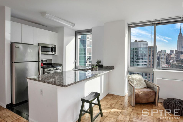 2 Bedrooms, Garment District Rental in NYC for $5,795 - Photo 1
