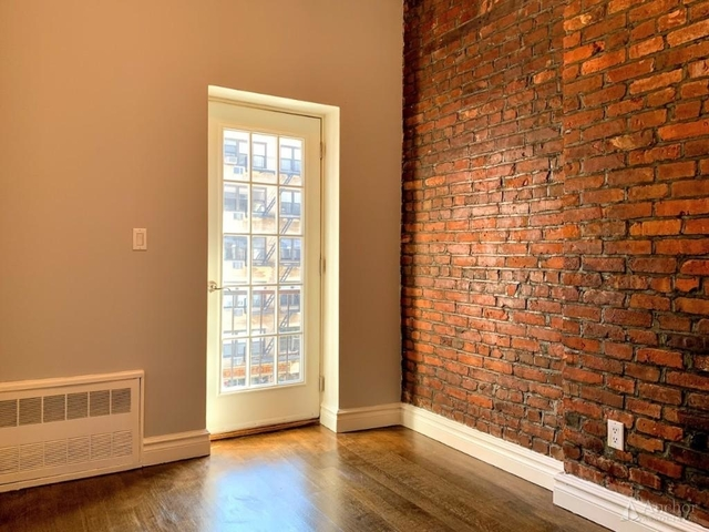 3 Bedrooms, Upper East Side Rental in NYC for $4,611 - Photo 2