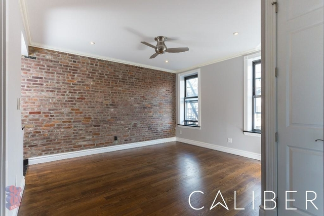 3 Bedrooms, Gramercy Park Rental in NYC for $5,442 - Photo 2