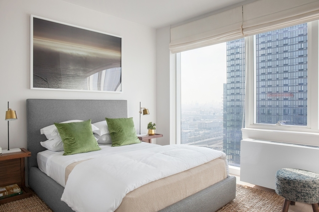 1 Bedroom, Long Island City Rental in NYC for $7,860 - Photo 2
