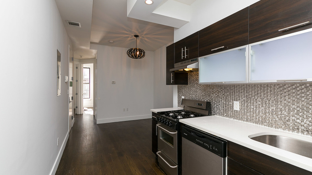 3 Bedrooms, Crown Heights Rental in NYC for $2,707 - Photo 1
