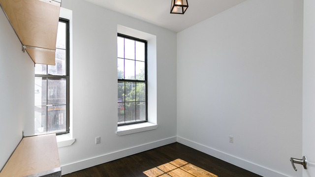 3 Bedrooms, Crown Heights Rental in NYC for $2,707 - Photo 2