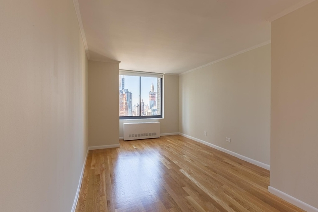 2 Bedrooms, Theater District Rental in NYC for $5,635 - Photo 2
