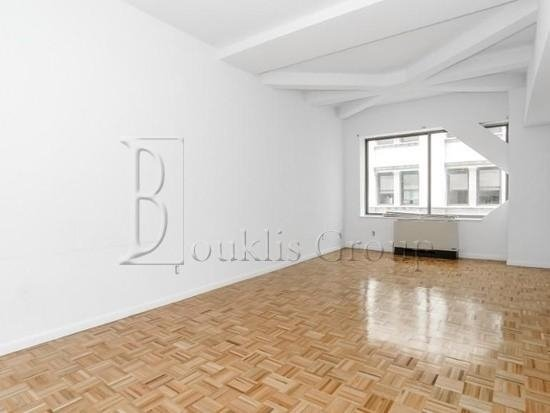 Studio, Financial District Rental in NYC for $2,700 - Photo 2