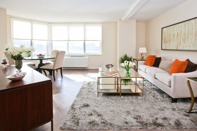 2 Bedrooms, Hell's Kitchen Rental in NYC for $5,200 - Photo 1