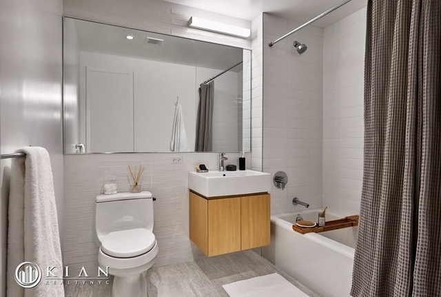 2 Bedrooms, Astoria Rental in NYC for $3,370 - Photo 1