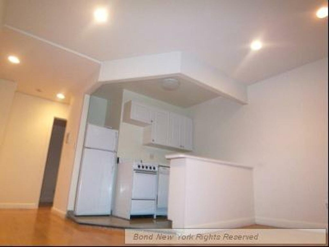 2 Bedrooms, City Island Rental in NYC for $3,745 - Photo 2